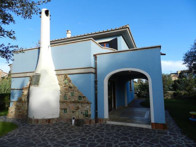 Villa signorile a 150 metri dal mare - Anzio