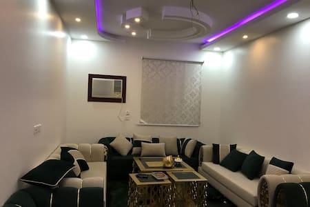 Furnished Apartment Super  شقه مؤثثة بالشهر