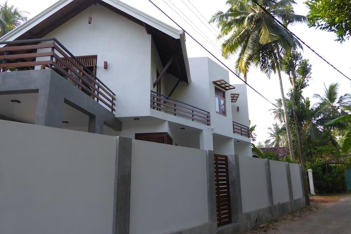 Luxury villa with local charm - Wadduwa