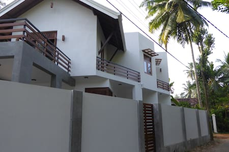 Luxury villa with local charm - Wadduwa