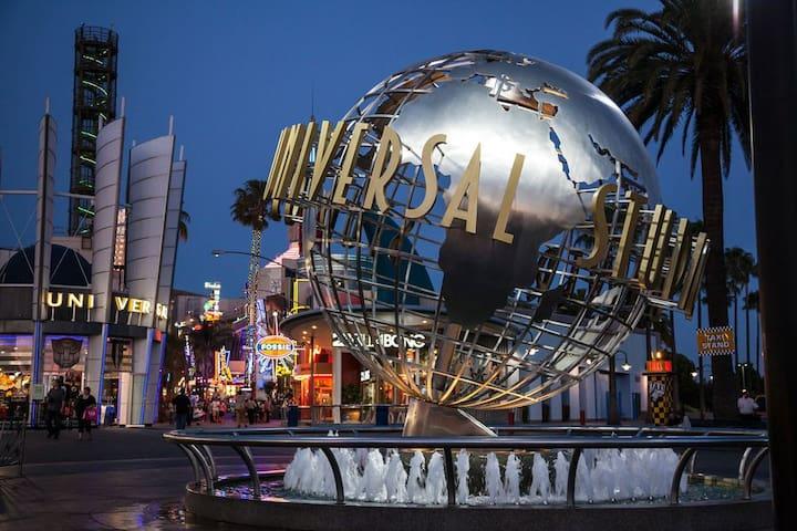 ROOFTOP Deck PRIVATE elevator Universal Studios