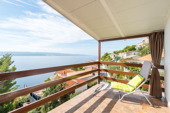 Adriatic sea view apartmentA4 SPLIT,OMIŠ,MARUŠIĆI