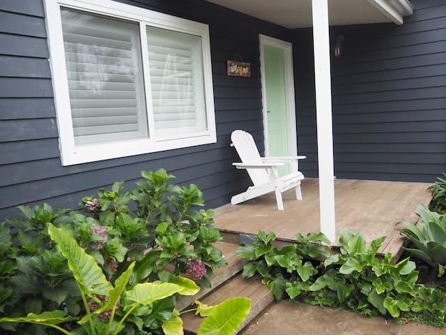 Frangipani cottage – 200m to Kendalls Beach