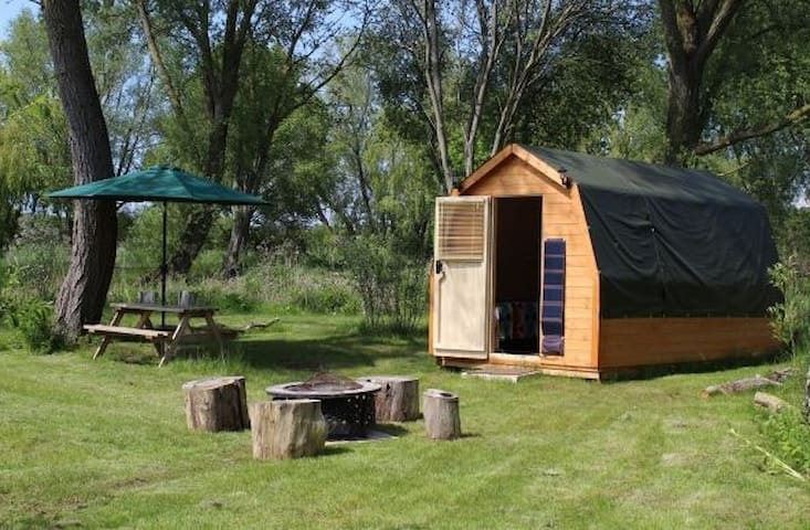 Large lakeside pod with optional fishing, Suffolk