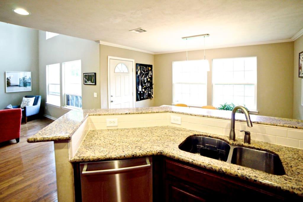 Modern kitchen, granite counters, fully stocked, modern appliances