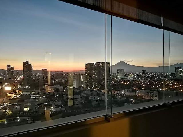 Amplio Departamento //  Zona Angelopolis // Puebla