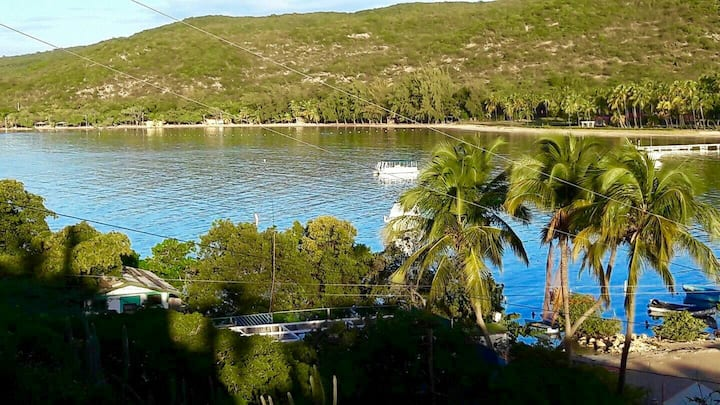 Beach front Near Gulligan beach apart. 3 Guanica