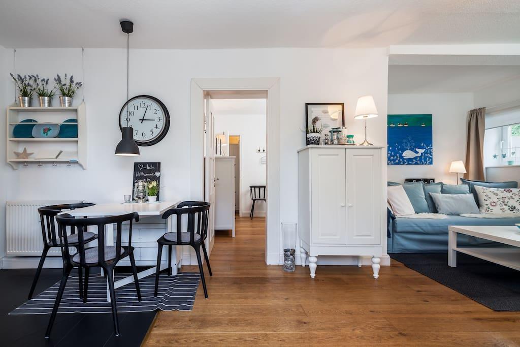 sch ner urlaub strandnah ruhig zentral condominiums zur miete in l beck schleswig. Black Bedroom Furniture Sets. Home Design Ideas