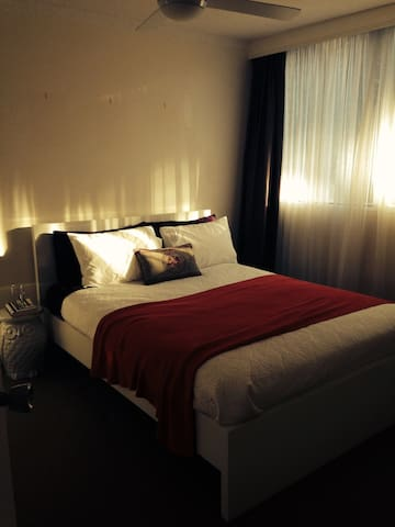 Lovely double room, light, clean Bondi Apartment. - Bondi - Appartement