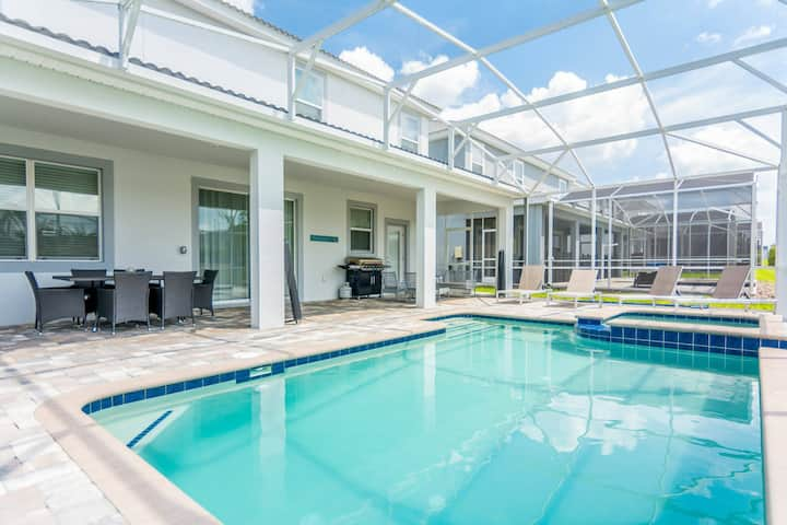 Gorgeous Home with Pool and Game Room CG1680