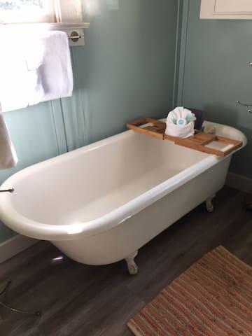 Claw foot tub, enjoy a soak in this original tub