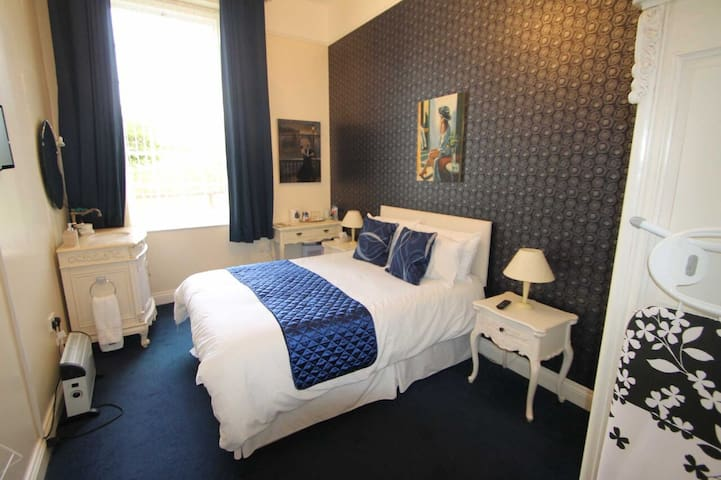 Deluxe Double | Self-Catering | Luxury Period Home - County Down - Bed & Breakfast