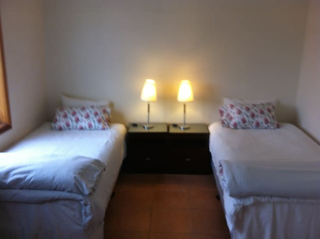 COSY TWIN ROOM RYDE - Ryde - Huis