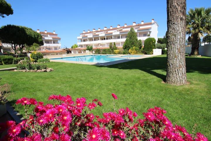 Appartement avec piscine - 400 mètres de la plage