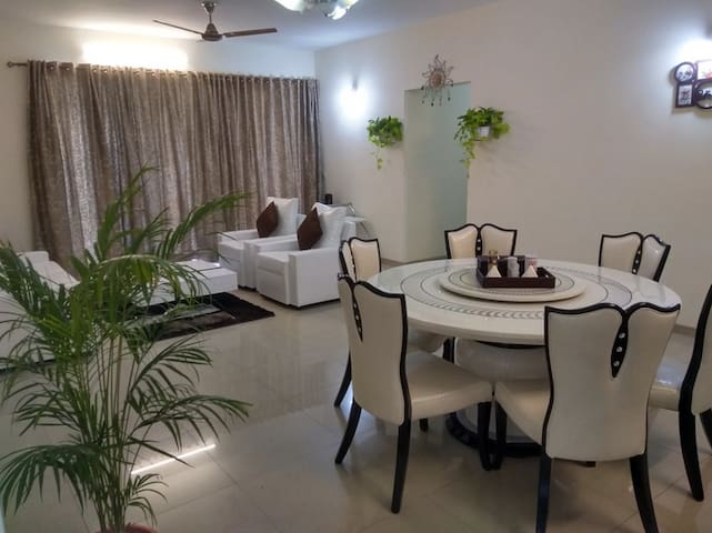 Luxurious 3bhk in Koregaon Park with B&B