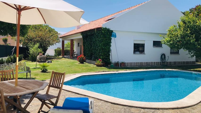 Lovely House with private Pool in Magoito beach
