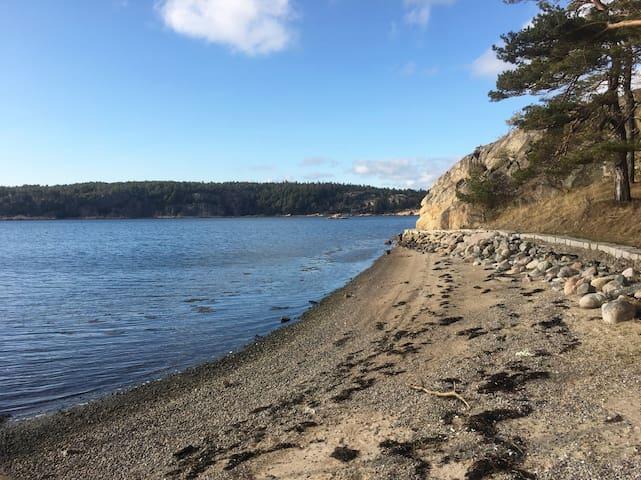 Sommarboende precis vid stranden! - Strömstad  - บ้าน