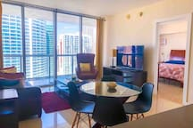 •LUXURY HIGHRISE OCEANVIEW ICON BRICKELL 5*C SPA!