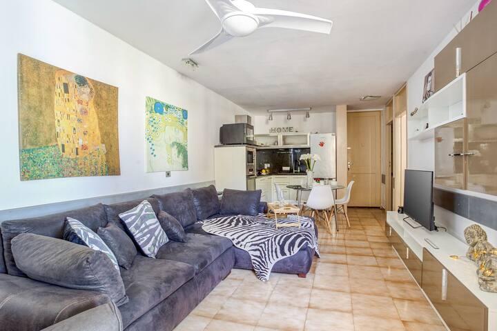 Bright Holiday Home in Las Galletas with Terrace