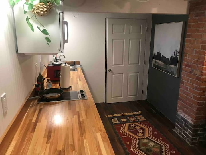 Basement apartment close to downtown and hospital