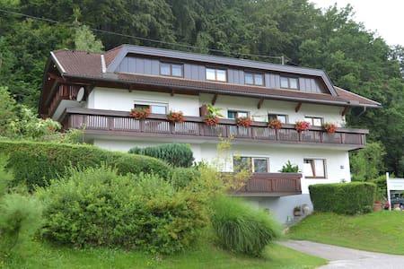 Ferienwohnung zentral gelegen Nähe Faaker See - Sankt Niklas an der Drau - Lejlighed