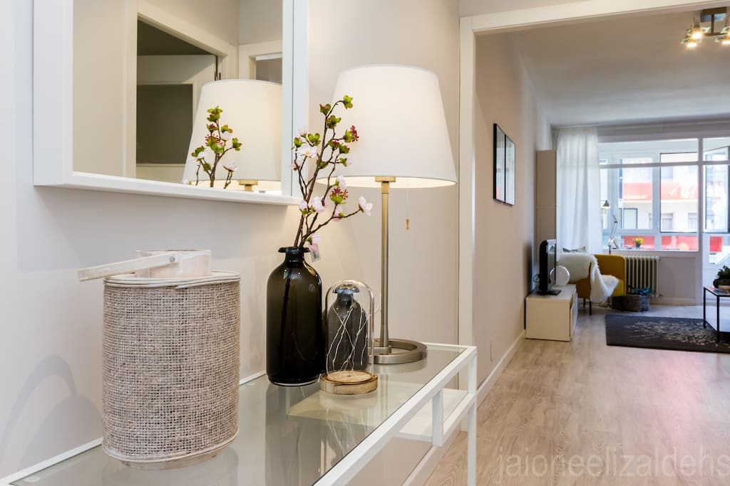 Apart c ntrico con parking wifi apartamentos en alquiler en pamplona navarra espa a - Apartamento en pamplona ...