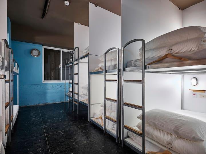 單人床位 Single bunk bed [Mixed dorm for 10pax]