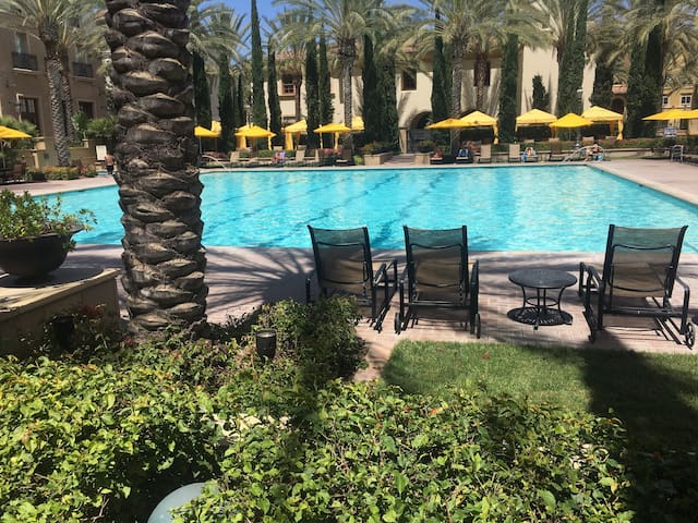 Trendy OC Luxury Spa Resort Style Studio - Irvine - Departamento