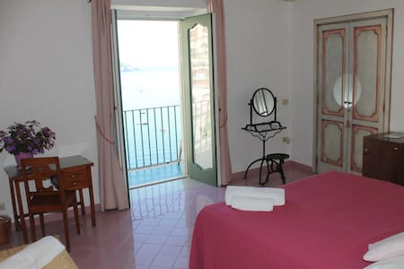 Casa Cosenza Romantic double room 1 - Positano
