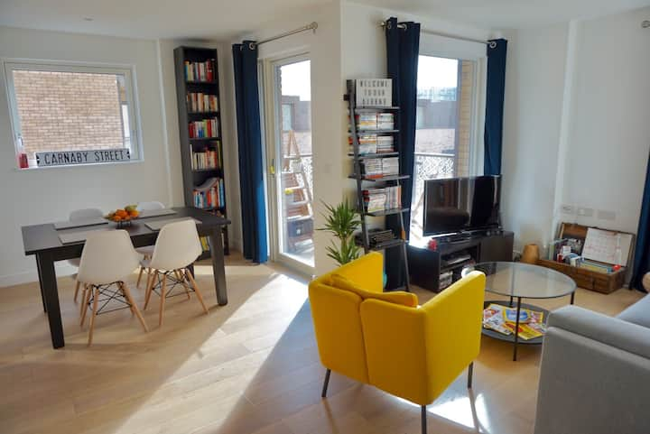 Stylish room in London East Village