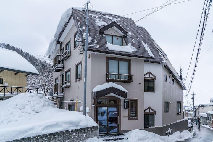 Family Bunk Room in Lodge Nagano Ya3