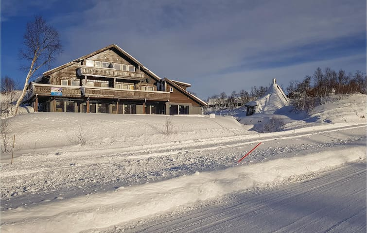 Holiday apartment with 3 bedrooms on 80m² in Hovden