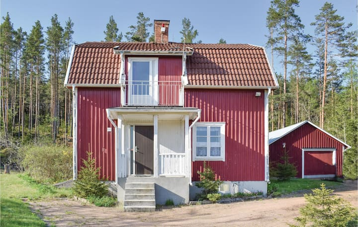 Beautiful home in Bruzaholm with Sauna and 4 Bedrooms
