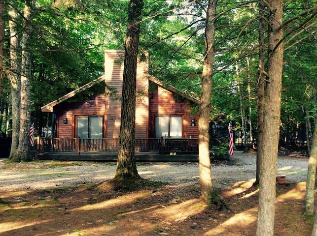 Cozy Cabin walking distance from lake Winni - Moultonborough - Huis