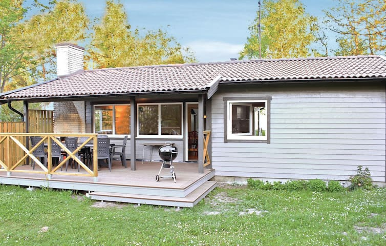 Holiday cottage with 3 bedrooms on 73 m² in Borrby
