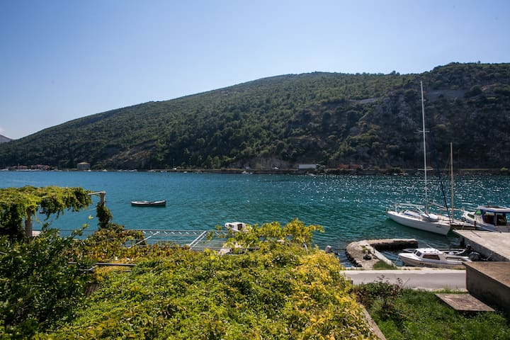 Apartments Pavo- One Bedroom Apartment w/ Sea View - Mokošica - 公寓