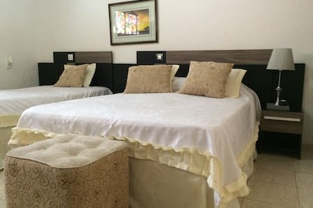 2 Rooms in the center of Camaguey in Casa Marlyn - Camagüey - Casa