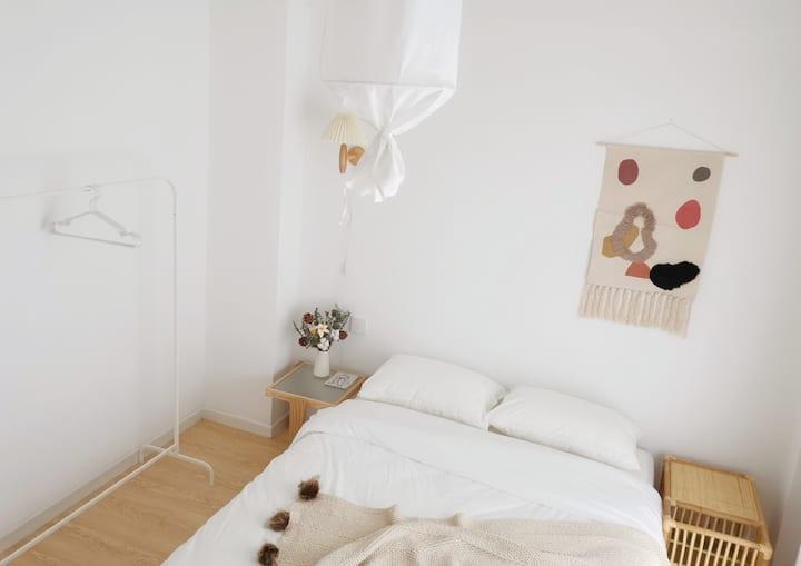 朴房「木吉ROM2」合租|超近地铁口|五室一厅两卫|带暖气|乳胶床|大客厅|采光好