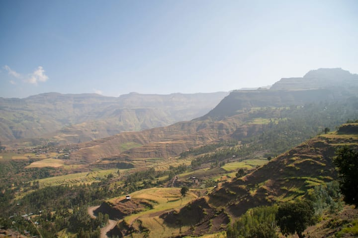 The true Lalibela - Know the city form within