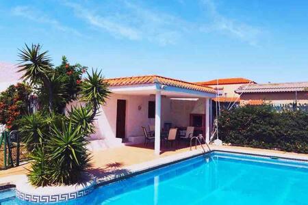 Chalet con piscina privada cerca de la playa/golf