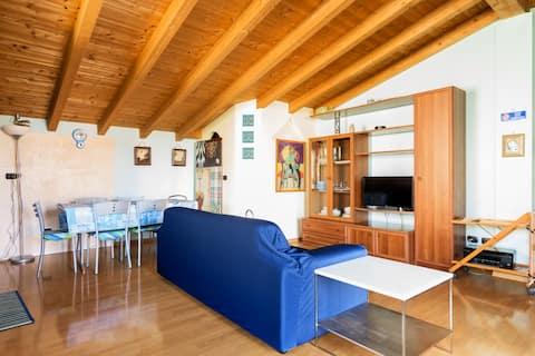 Appartamento in villa adiacente Humanitas / Liuc