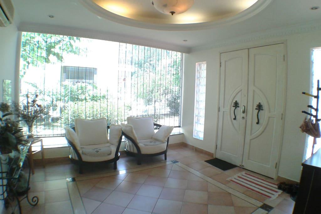 Foyer 玄関