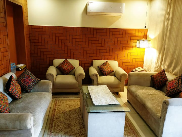 Peeli Kothi - Entire place at the price of 1 room