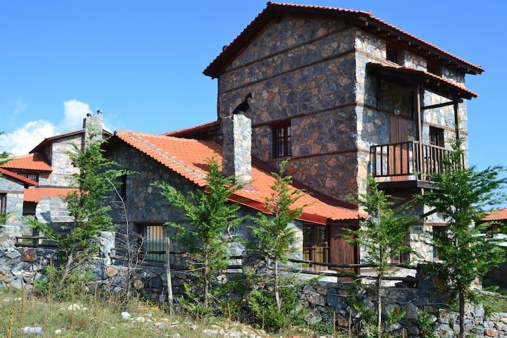 ΚΟΥΚΛΟΣΠΙΤΟ ΣΤΟ ΠΑΛΙΟ ΑΓΙΟ ΑΘΑΝΑΣΙΟ - Agios Athanasios - Casa