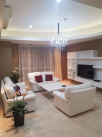 165m/sq, 6 beds, 3 baths at Casa Grande Residence