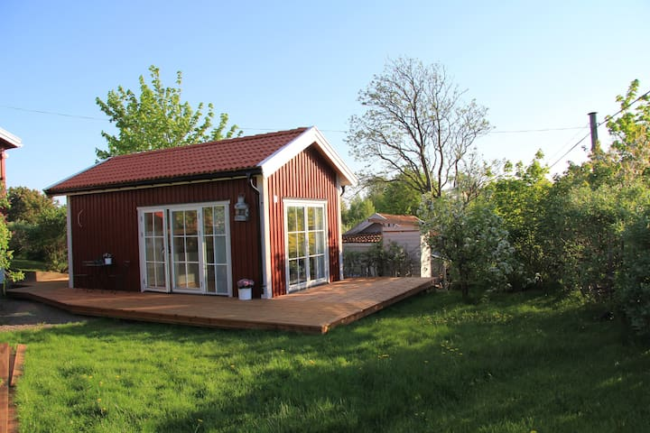 Cozy guesthouse (25 m2) close to the sea!