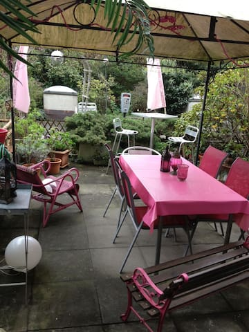 Double Bedroom with private Patio next Expo Center - Basel - Apartment