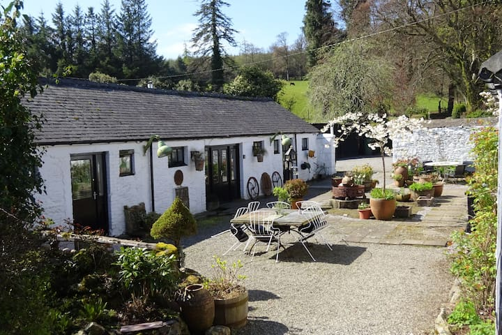 Stable Cottage,Clara Vale, Glendalough, Co Wicklow - Rathdrum - House