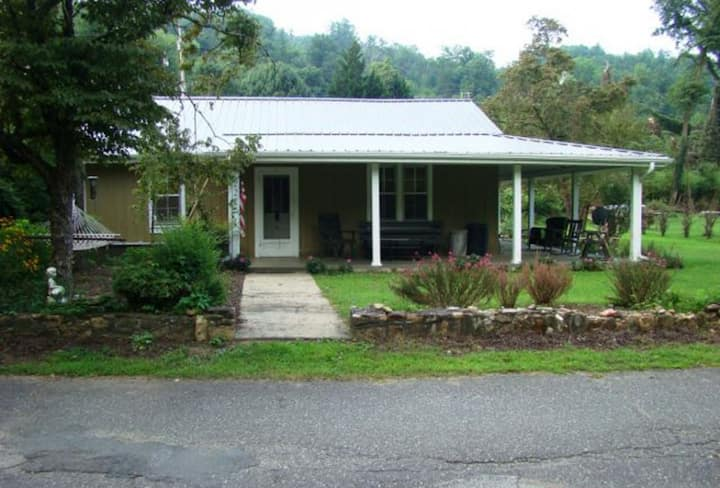 Riverfront Retreat in Bryson City