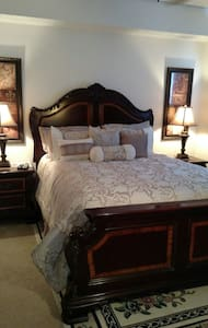 We are located near ft. myers beach - Fort Myers - Apartment